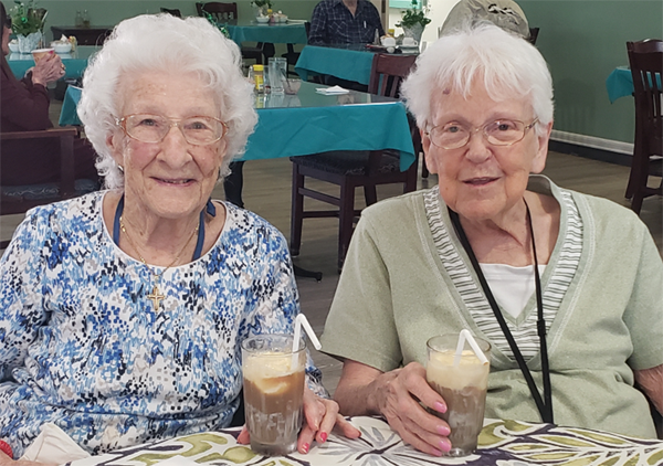 Cabot Cove of Largo Assisted Living Social Life and Fun