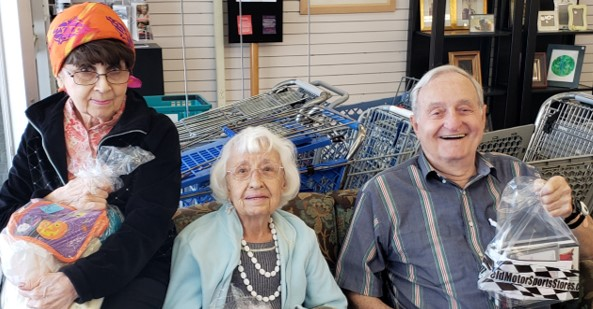 Seniors on Shopping Trips with Cabot Cove of Largo Assisted Living