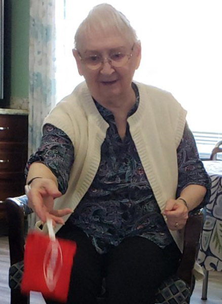 Seniors Staying Active at Cabot Cove of Largo Assisted Living